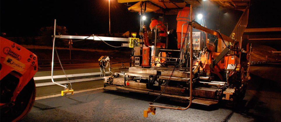 Carretera N-400 Toledo - Aranjuez - Refuerzo de firme - Extendido MBC de noche